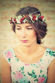 zuzig - Flowers in the hair. Folklore, Flowers, Hair, Royal Icing Flowers, Flower, Florals, Strengthen Hair, Floral, Blossoms