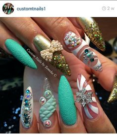 By Customnails