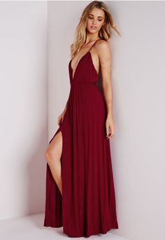 Robe longue lie de vin décolletée en étamine - Robes - Missguided