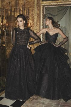 Monique Lhuillier Fall 2019 Ready-to-Wear Fashion Show Monique Lhuillier Herbst 2019 Konfektionskollektion – Vogue Monique Lhuillier, Couture Fashion, Runway Fashion, Fashion Outfits, Dress Fashion, Fashion Show Collection, Mannequins, Beautiful Gowns, The Dress