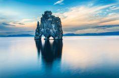 صور-مناظر-طبيعية-رائعة-من-جزيرة-آيسلندا-ستجعلك-تسافر-إليها-صخرة-Hvitserkur