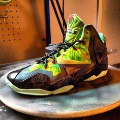 huge discount f8222 63d3d Nike LeBron 11