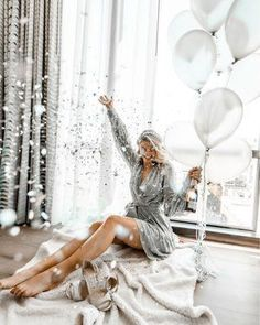 Blissful Photo Shoot Ideas Whether you want to be extra or simple, it's not … – girl photoshoot ideas Birthday Goals, 35th Birthday, 30th Birthday Parties, Girl Birthday, Birthday Celebration, Birthday Cakes, Cute Birthday Pictures, 30th Birthday Ideas For Women, Photoshoot Themes
