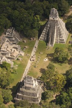 Tikal, Guatemala - The acropolis here, at 212 feet, are the highest in the Western Hemisphere. The temples and pyramids at Tikal were built by the Maya. Places Around The World, Oh The Places You'll Go, Places To Travel, Places To Visit, Around The Worlds, Travel Destinations, Mayan Ruins, Ancient Ruins, Ancient Egypt