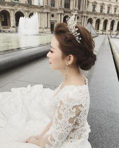 认真营业的我 #巴黎化妝師 #巴黎化妆师 #新娘髮型 #新娘化妝 #婚纱摄影 #新娘 #新娘造型 #婚纱旅拍 #巴黎 #化妆师 #婚u礼跟妆 #% Lace Wedding, Wedding Dresses, The Dress, Fashion, Bride Gowns, Wedding Gowns, Moda, La Mode, Weding Dresses