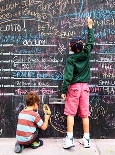 Before I Die: A Global Ethnography of Anonymous Aspirations in Chalk and Public Space | Brain Pickings: