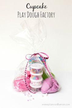 cupcake play dough - LOVE this!