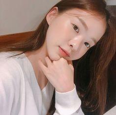 Korean Girl, Asian Girl, Ulzzang Girl, Cute Girls, Makeup, Models, Beauty, Outfit, Instagram