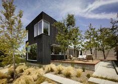 Galeria de Casa Show Sugi Ban / Schwartz and Architecture - 11
