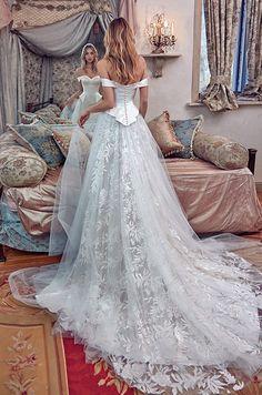 Galia Lahav Le Secret Royal Wedding Dresses 2017 01b_detail / http://www.deerpearlflowers.com/galia-lahav-2017-wedding-dresses-le-secret-royal/