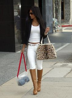 como combinar un pantalon blanco de mujer - Google Search