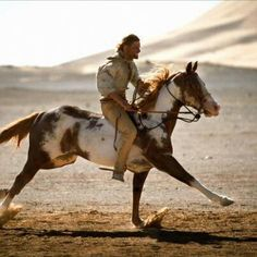 Viggo Mortensen bought TJ (the horse who played Hidalgo in the movie) after filming was done.