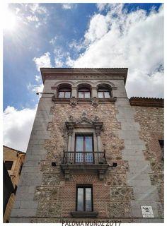La casa Cisneros es una casa-palacio de Madrid situada en la plaza de la Villa, construida en estilo plateresco en el año 1537, a instancias de Benito Jiménez de Cisneros, sobrino del cardenal Cisneros (1436-1517). The house Cisneros is a palace-house in Madrid located in the Plaza de la Villa, built in Plateresque style in 1537