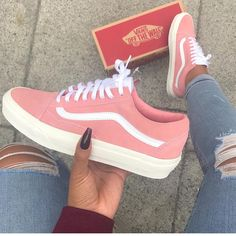 outfit vans old skool mujer ~ outfit vans ; outfit vans old skool ; outfit vans slip on ; outfit vans old skool mujer ; Cute Vans, Cute Shoes, Me Too Shoes, Awesome Shoes, Trendy Shoes, Casual Shoes, Sneakers Fashion, Shoes Sneakers, Shoes Heels