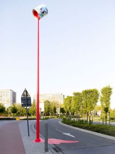 Belgian paint manufacturer Levis (Akzo Nobel) came up with a bit of an urban guerilla stunt to help advertise their product. The installation consists of an XXL levis paint pot mounted onto an existing lamppost eight metres above the ground so it appears to be floating.