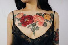 Flower Tattoo On Side, Flower Tattoo Drawings, Flower Tattoo Shoulder, Flower Tattoos, Side Tattoos, Foot Tattoos, Arm Tattoo, Tattoo Arm Designs, Flower Tattoo Designs