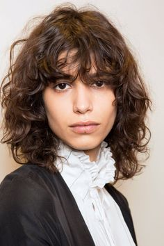 80 Sensational Medium Length Haircuts for Thick Hair: The Shag Haircut Is The Latest Trend Of 2019 Hair Adviser. The Shag Haircut Is The Latest Trend Of 2019 Hair Adviser. Curly Shag Haircut, Modern Shag Haircut, Shaggy Haircuts, Short Layered Haircuts, Haircuts For Curly Hair, Haircut For Thick Hair, Shag Hairstyles, Hairstyles With Bangs, Girl Hairstyles