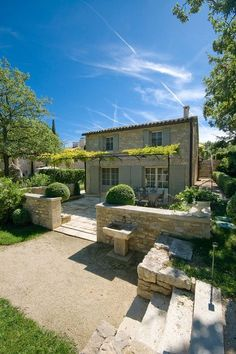 Boxwood Terrace: Magnifique French Villa in Provence French Country House, French Farmhouse, Iron Pergola, French Villa, Provence Style, Provence Garden, Provence France, French Countryside, Stone Houses