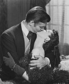 """1939 Clark Gable Vivien Leigh movie """"Gone With The Wind"""" inch B&W Photo in Collectibles, Photographic Images, Contemporary Old Hollywood Stars, Classic Hollywood, Romantic Movies, Most Romantic, Vivien Leigh Movies, Best Picture Winners, Movie Kisses, Cinema Tv, Tomorrow Is Another Day"""