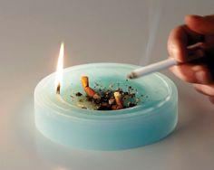 Die Kombination zwischen Kerze und Aschenbecher scheint nahezu zwangsläufig und gibt dem Rauchen noch etwas romantisches! Das Büro flussoc...