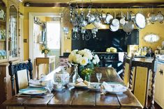 Real Home: an idyllic 300 year old farmhouse is transformed Real Home: an idyllic 300 year old farmhouse is transformed English Country Kitchens, English Country Style, American Country, Country Homes, Antique Kitchen Decor, Farm Cottage, Cottage Style, Larder Unit, Period Living