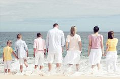 50 ideas for family pictures.  Poses, different ideas for colors  outfits. photography-ideas