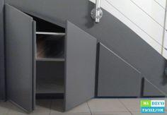 Je vous propose de réaliser un placard sous escalier sur mesure. A faire soi-m. Under Stairs Cupboard Storage, Closet Under Stairs, Staircase Storage, Interior Staircase, Stair Storage, Staircase Design, Closet Storage, Built In Storage, Stair Lighting