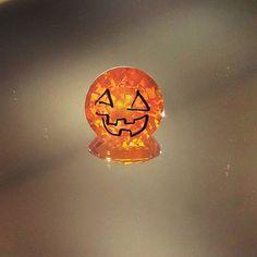 Happy Halloween! #joganibh . 5.26ct orange sapphire. . . #sapphire #instagems #gemstones #preciousgems #halloween #orange #jewelry #antique #estatejewelry #vintagejewelry #orangesapphire #spooky #jackolantern #happy #love #gold #holidays