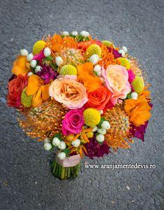 Buchet de mireasa. Nasa, Floral Wreath, Wreaths, Table Decorations, Weddings, Flowers, Inspiration, Ideas, Wedding Bouquet