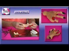 Como modelar mano de bruja con porcelana fría