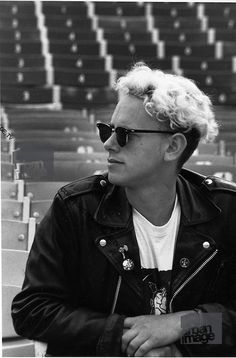 Martin Gore - Depeche Mode performing live at Pasadena Rose Bowl, June 1988.