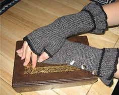 Belle Ruffle Fingerless Gloves/Mitts by Veronica O'Neil.  Free pattern at Ravelry.