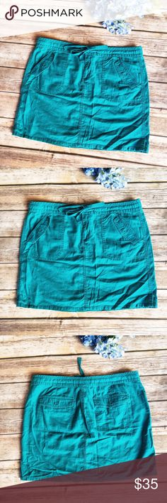 Calvin Klein Teal Summer Drawstring Skirt  ★ Excellent condition.  ★ This colorful real skirt from Calvin Klein is perfect for spring and summer! Features a drawstring for adjustability.  ★ 55% Linen || 45% Cotton. ★ NO TRADES!   ★ NO MODELING!  ★ YES REASONABLE OFFERS! ✅ ★ Measurements available by request and as soon as possible.  Calvin Klein Skirts