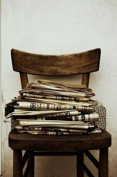 inspiration earth+tones newspaper classic vintage photography jbrand j+brand home Flower Yellow, Things Organized Neatly, Retro, The Book Thief, Old Newspaper, Earth Tones, Decoration, Tricks, Web Design