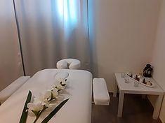 Rossella Massagen Entspannende Atmosphäre #entspannung #entspannungsmassage #entspannungszeit #atmosphere #relax #relaxatmosphere #relaxtime #relaxmassage #massage #massagespa #massagetime #massagetherapy Relax, Soft Light, Switzerland, Keep Calm