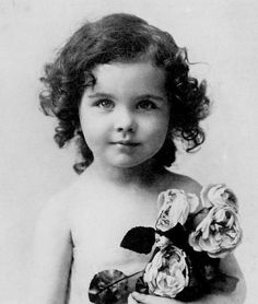 Vivien Leigh childhood photo  http://celebrity-childhood-photos.tumblr.com/