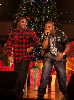 Celebs perform at the Hollywood tree lighting event