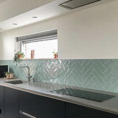 Kitchen Furniture, Kitchen Interior, Kitchen Rules, Küchen Design, Modern Kitchen Design, Beautiful Kitchens, Kitchen Backsplash, Home Kitchens, Kitchen Remodel
