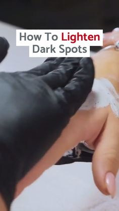 Here's a Great Solution Recommended by Beauty Experts to clear up dark spots, age spots & sun spots. Source by citybeautyofficial videos Face Makeup Tips, How To Fade, Lighten Dark Spots, Brown Spots On Face, Dark Spot Corrector, Beauty Skin, Beauty Makeup, Beauty Ideas, Beauty Tips