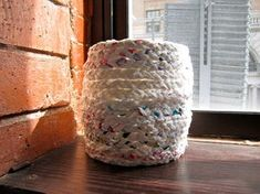 Make a Basket Out of Plastic Bags: 11 Steps (with Pictures) Reuse Plastic Bags, Plastic Bag Crafts, Plastic Baskets, Recycled Art Projects, Recycled Crafts, Crafty Projects, Diy Arts And Crafts, Paper Crafts, Diy Crafts