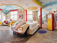 Hotel - Motorworld Region Stuttgart (Germany) is a themed hotel for kids and adults alike. Boys of all ages will be amazed by the detailed car-themed rooms. Design Hotel, Top Hotels, Best Hotels, Amazing Hotels, Beautiful Hotels, Themed Hotel Rooms, Cama King, Hotels For Kids, Unusual Hotels