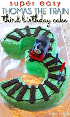 SUPER EASY Thomas the Train birthday cake with train tracks in the shape of the number 3 for a third birthday!: - Two Super Easy Train Cake Options Thomas Birthday Cakes, Thomas Birthday Parties, Thomas Cakes, Thomas The Train Birthday Party, Trains Birthday Party, Cool Birthday Cakes, Train Party, Thomas The Train Cakes, Train Birthday Party Cake
