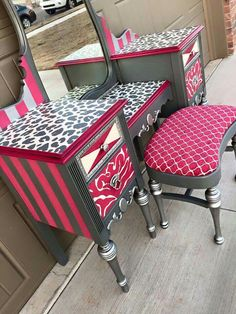 Idee per mobili funky – Recycled Furnitures Ideas Furniture Fix, Custom Made Furniture, Funky Furniture, Recycled Furniture, Furniture Makeover, Cheap Furniture, Furniture Design, Whimsical Painted Furniture, Hand Painted Furniture