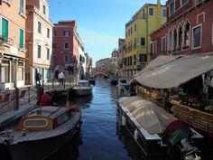 "Crowded ""road"" in Venezia"