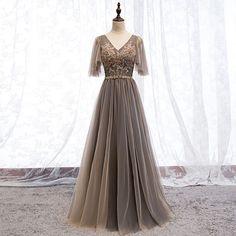 e538090d2e Eleganckie Brązowy Sukienki Wieczorowe 2019 Princessa V-Szyja Frezowanie  Rhinestone Cekiny Z Koronki Kwiat Kótkie