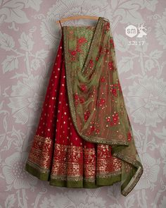 Swati Manish SMF LEH 321 17 Dark cherry sequin lehenga with pear floral threadwork dupatta and green threadwork blouse Simple Pakistani Dresses, Indian Gowns Dresses, Indian Fashion Dresses, Dress Indian Style, Indian Designer Outfits, Fashion Wear, Indian Wedding Fashion, Indian Wedding Outfits, Bridal Outfits