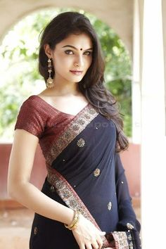 Gorgeous Andrea Jeremiah in Saree