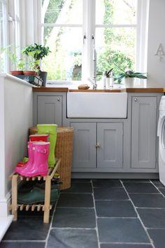 slate flooring Living With Kids: Courtney Adamo--- love this grey cabinet paint color Slate Floor Kitchen, Kitchen Flooring, Courtney Adamo, Light Gray Cabinets, Grey Cupboards, Slate Flooring, Hardwood Floors, Wood Counter, Living Room Flooring