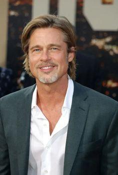 Brad Pitt News, Goatee Styles, Bald With Beard, Short Beard, Beard Styles For Men, Boy Hairstyles, Haircuts, Sandra Bullock, Facial Hair