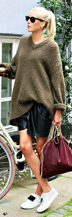 Street style - oversized sweater and leather skirt (=)